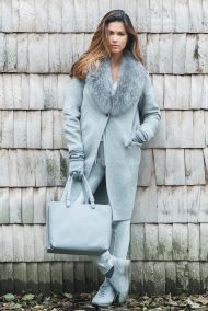 Cashmere/Wool coat with natural fox fur collar