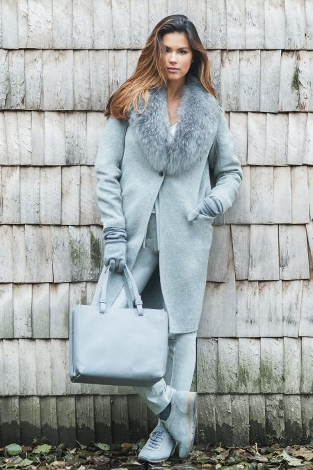 Cashmere/Wool coat with natural fox fur collar 3