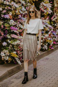 Classic skirt luxury skirt long skirt natural fabric fashion photography coocoomos klasikinis sijonas ilgas sijonas naturalus audinys blizgantis sijonas mados fotografija-min-min